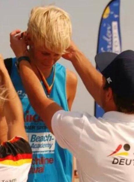 Medaillen für Beachvolleyballer Simon Kulzer